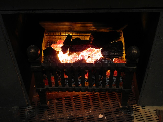 DIY Fake Fireplace Effect | Bruce's Blog